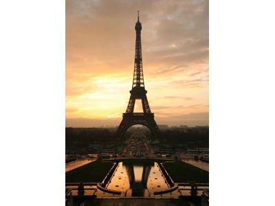 Una splendida immagine della Tour Eiffel, simbolo per eccellenza di Parigi